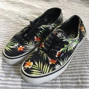 🌿 Vans sneakers size 8.5 women's (7 men's)